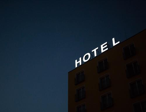 La pieza clave del puzle, los conserjes de hotel
